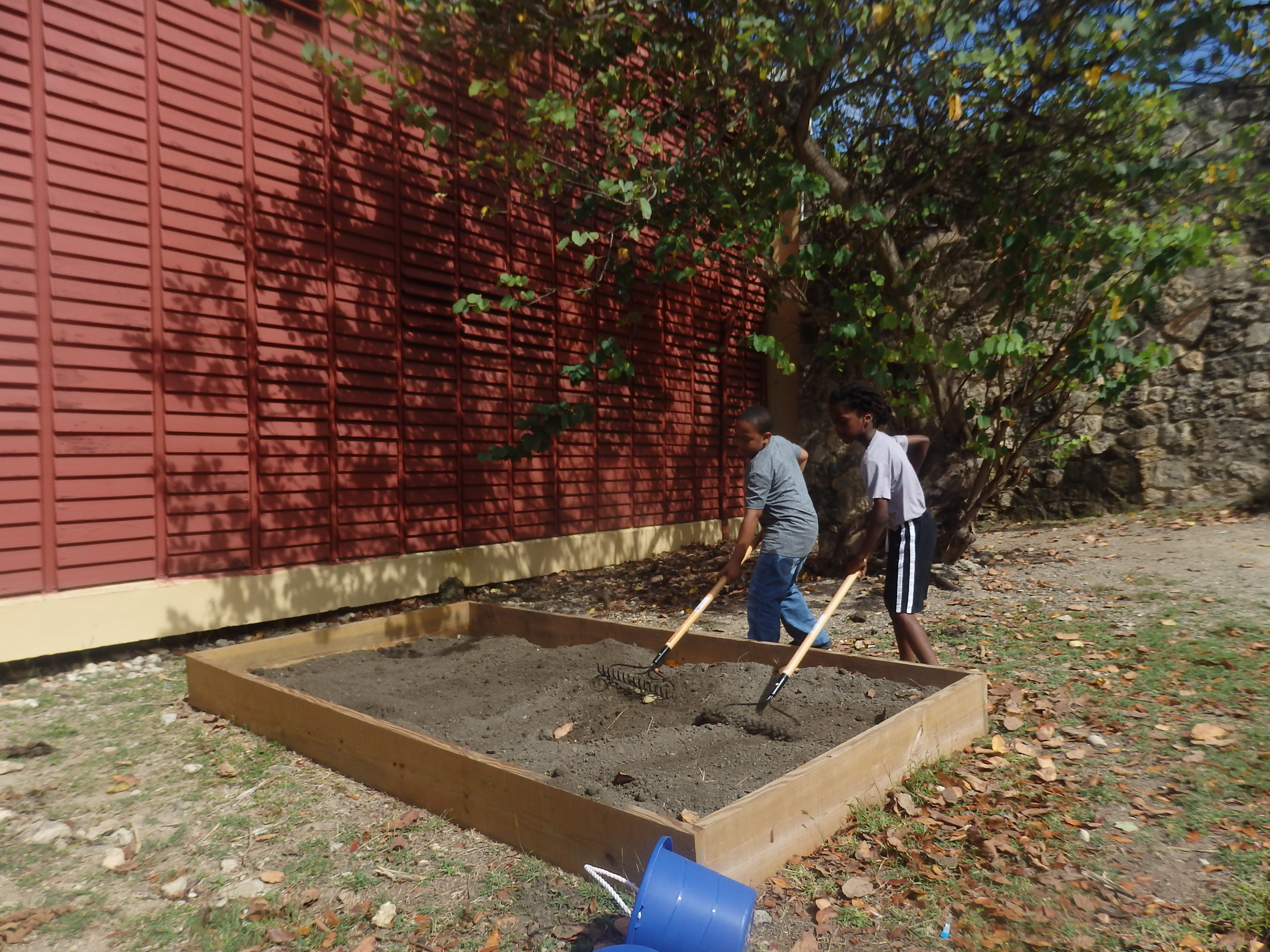 Lew Muckle Students Build New Box Gardens and Repair Old Ones